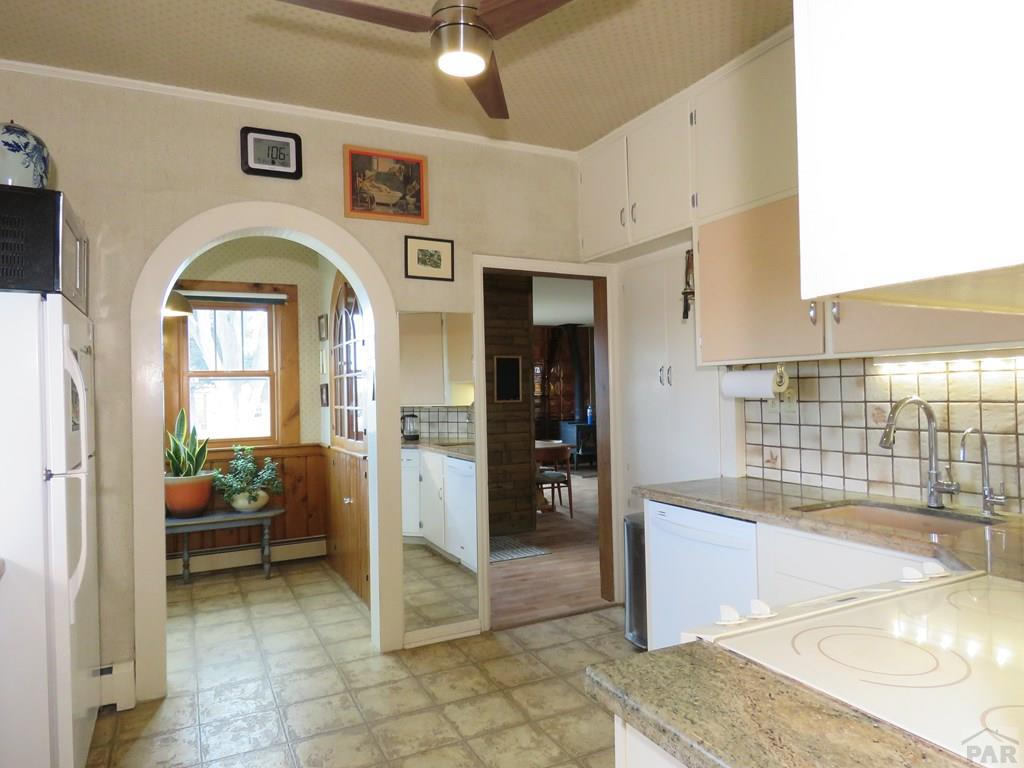 Kitchen with Granite Counter Tops for additional photo 1