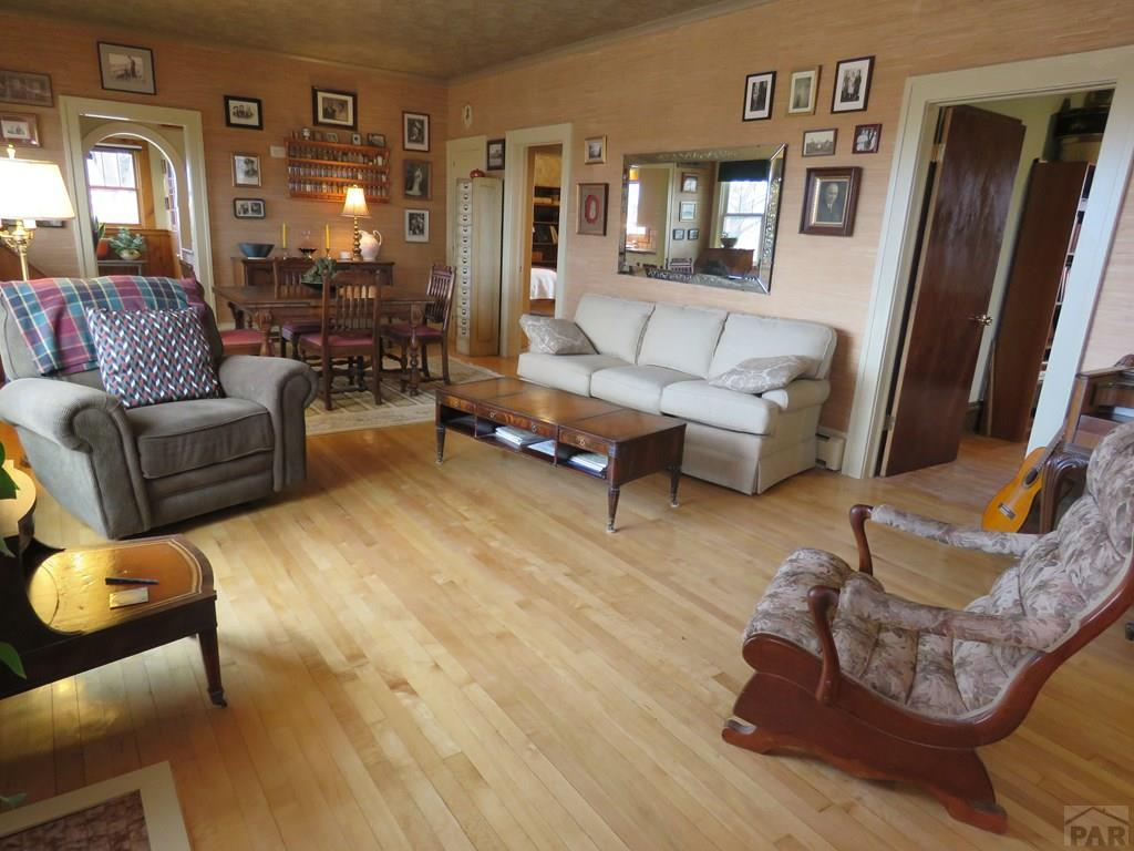 Living Room for additional photo 9